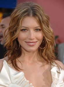 I will have Jessica Biel's beacy waves this summer!